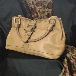 Kenneth Cole  new  leather 16 in long  9 in high